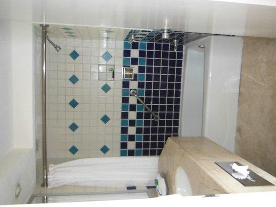 Buenaventura Grand Hotel & Great Moments All Inclusive: Bathroom