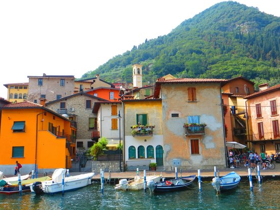 Monte Isola, Itália: Peschiera - abitato