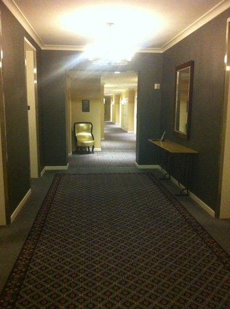 Kimpton Hotel Monaco Seattle: Hallway