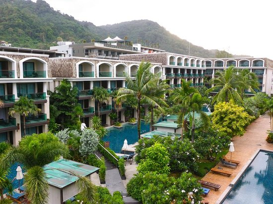 Phuket Graceland Resort & Spa: View from 4th floor balcony