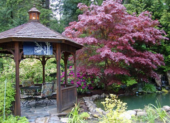 Dogwood Motel: Gazebo and Koi Pond in parklike setting