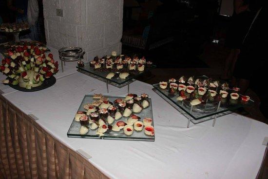 Sandals Montego Bay: Chocolate buffet!