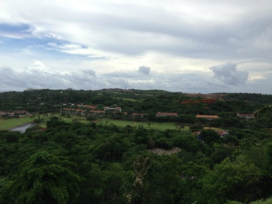 Tanawin Resort and Luxury Apartments : Вид из номера