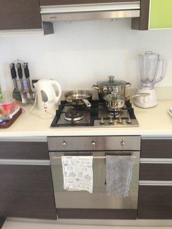 Tanawin Resort and Luxury Apartments : Кухня