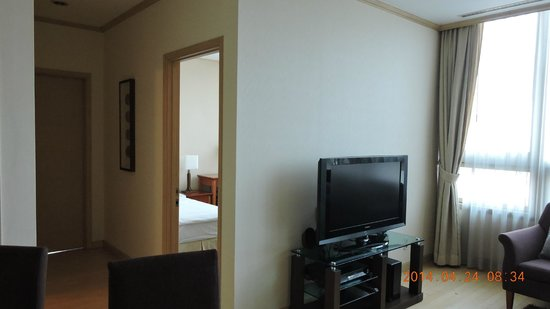Orakai Insadong Suites: Living room2