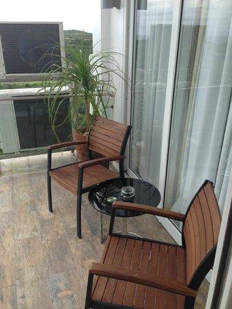 Tanawin Resort and Luxury Apartments : На улице