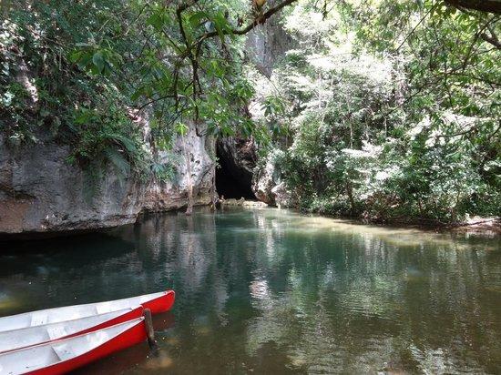 Pacz Tours: Cave Enterance