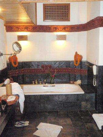 Dwarika's Hotel : Bathtub, shower is hidden on the right