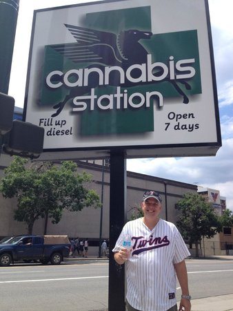 Radisson Hotel Denver Southeast : Marijuana store near Coors field