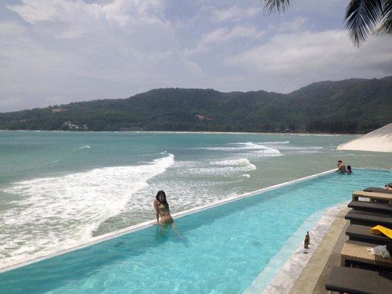 Cape Sienna Hotel & Villas : Senna rocks amazing pool
