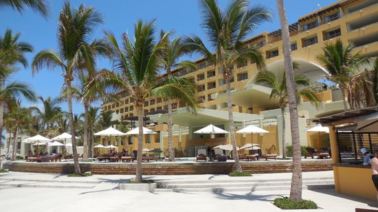 Marquis Los Cabos All-Inclusive Resort & Spa: hotel from pool