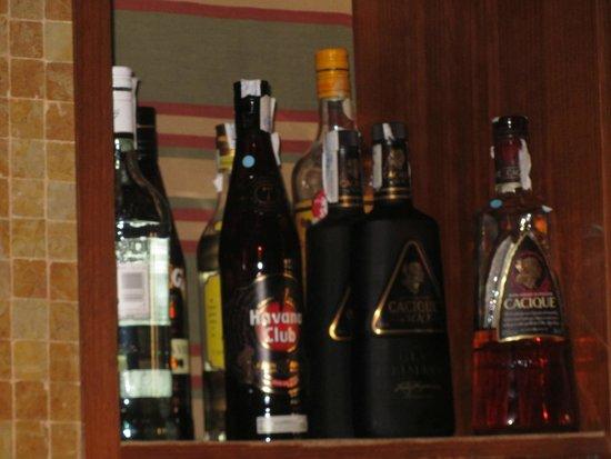 H10 Costa Adeje Palace: ein kleiner einblick in die Getränkeauswahl...