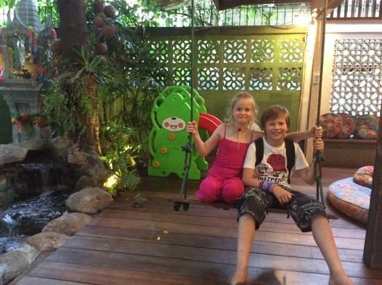Phranakorn-Nornlen Hotel : happy kids
