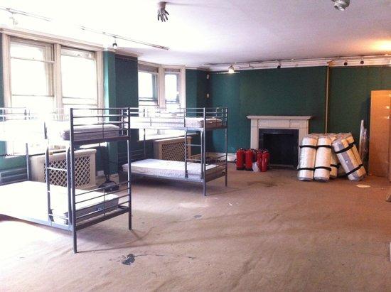 4 Star Hostel: Общая комната на 24 человека.
