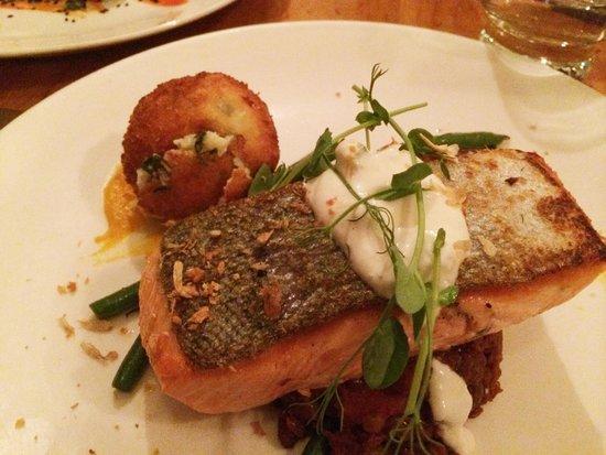 Ivy & Lola's Kitchen + Bar: Salmon over roasted lentils