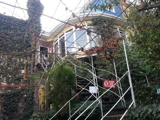La Chascona (Haus von Pablo Neruda): Looking up to Detached Portion