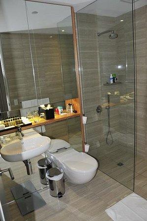 Fraser Suites Perth : Bathrooms