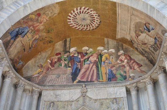 Saint Mark's Basilica (Basilica di San Marco): Portico mosaic showing the recovery of the remains of St, Mark being smuggled from Egypt
