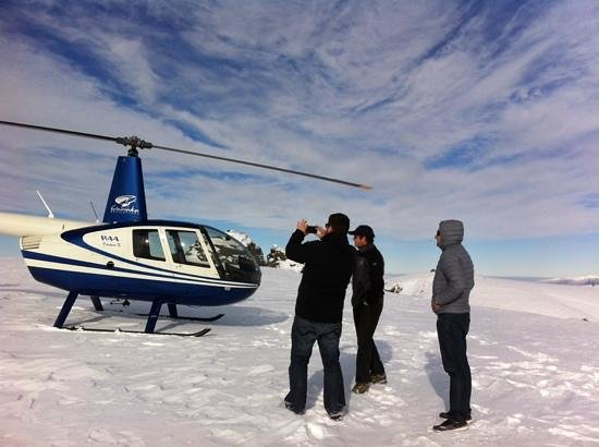 Wanaka Helicopters: the little helicopter beauty...