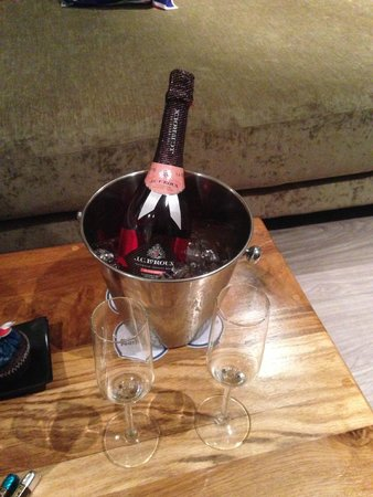 Protea Hotel Cape Town Waterfront Breakwater Lodge: Complimentary celebratory bubbles...