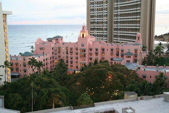 Holiday Inn Resort Waikiki Beachcomber: right