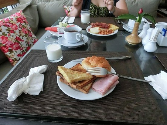 Sawaddi Patong Resort & Spa : breakfast