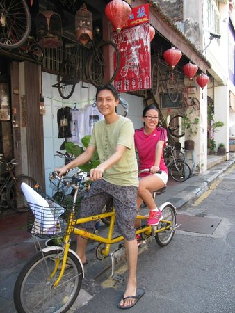 George Town : Cycling in Georgetown
