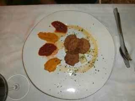 La Trattoria: Fish balls with carrot puree