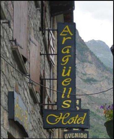 Hotel Araguells: vue de l'hôtel