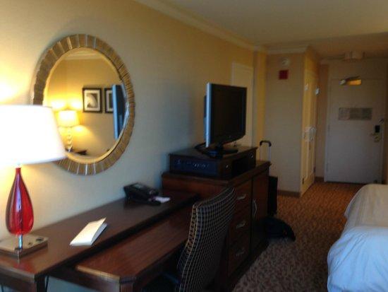 Chicago Marriott Oak Brook: room