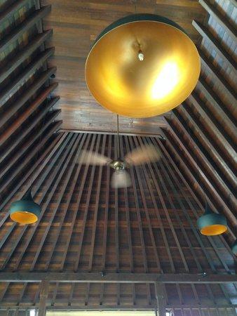 Gaya Island Resort : Lobby Ceiling