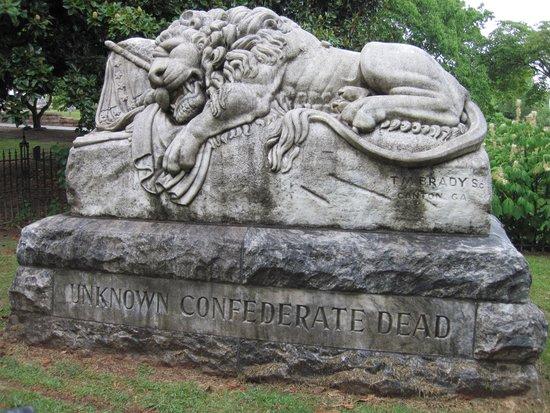 Oakland Cemetery: Unknown Confederate Dead Lion