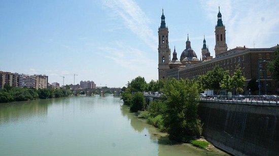 El Ebro: Видна на базилику с моста