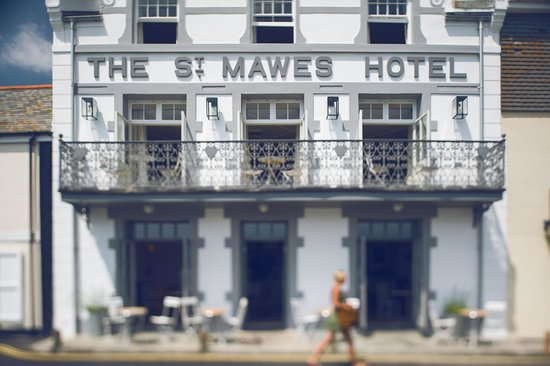 The St Mawes Hotel: Front of St. Mawes Hotel