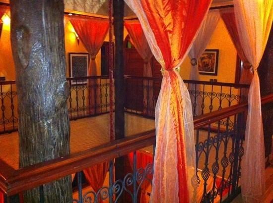 Riad Hamdane Et SPA : Courtyard & Rooms