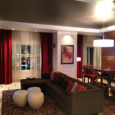 Hotel32 at Monte Carlo: гостиная в лофте