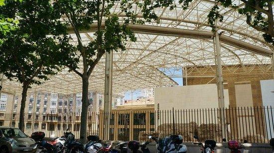 Museo del Teatro Romano de Caesaraugusta: крыша