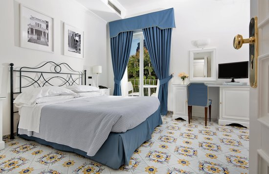 Hotel Canasta: MEDIUM DOUBLE