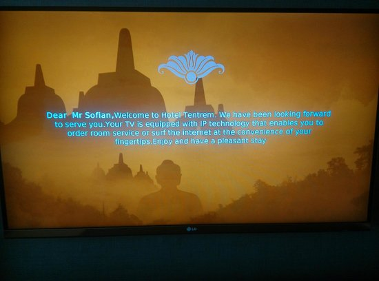 Hotel Tentrem Yogyakarta : personalise welcome message on lcd in room