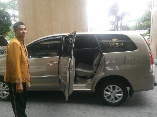 Hotel Tentrem Yogyakarta: free shuttle to maliobro every 1 hour until 9pm