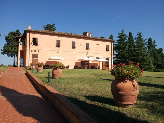 Agriturismo Santo Pietro: Main building