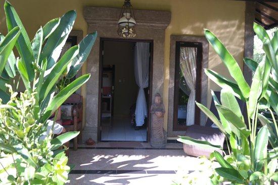 Taruna Homestay: Entrance