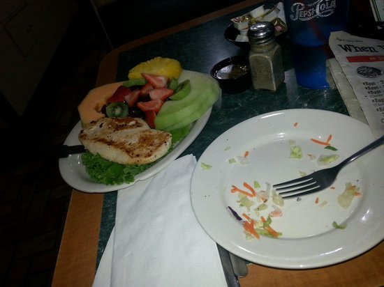 Tony's I-75 Restaurant: Tonys Lighter Fare - Salad gone, but next up chicken and fruit plate!
