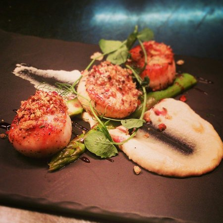 The Prince of Wales: Pan seared black pearl scallops from the legendary fish Friday specials