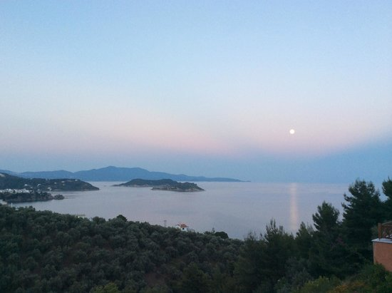 Skiathos Gea Villas: Evening view from the patio