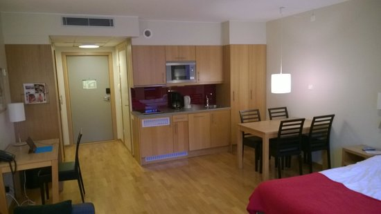 Scandic Malmo City : Superior room with kitchen 2