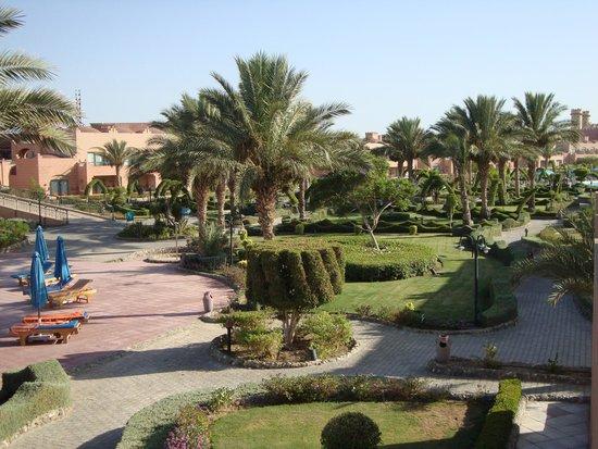 Akassia Swiss Resort El Quseir: giardini fra i blocchi di camere