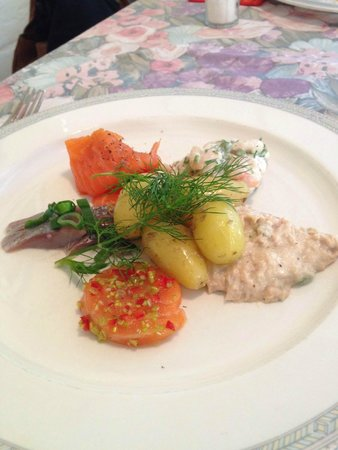 Wolkoff : The cold fishplate I had for main course