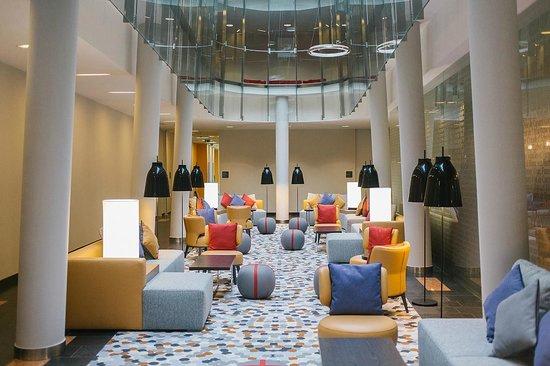 Four Points by Sheraton Ljubljana Mons: Lobby Lounge