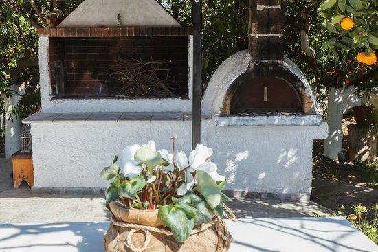 Cotton Club Villas: BBQ